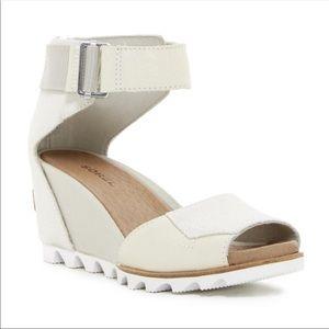 Sorel Joanie II Wedge Beige Sandals